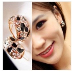Beautiful Shiny Rhinestone Crystal Leopard Stud Earrings